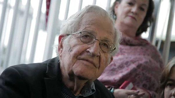 Noam Chomsky a korrupt brazil elnöknél járt