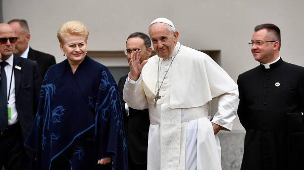 Bergoglio: La Lituania esempio di dialogo e accoglienza