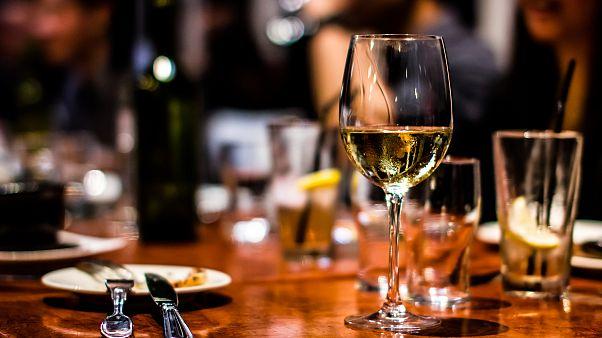 تقرير : الاستهلاك المفرط للكحول يودي بحياة 3 مليون شخص سنوياً حول العالم