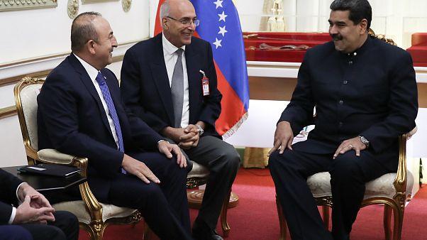 Çavuşoğlu ile görüşen Maduro El Turco kitabıyla Diriliş Ertuğrul'u anlattı