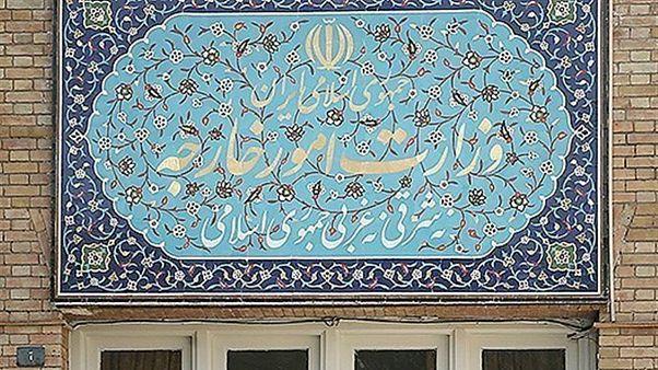 وزارت خارجه ایران کاردار سفارت بریتانیا و سفرای هلند و دانمارک را احضار کرد