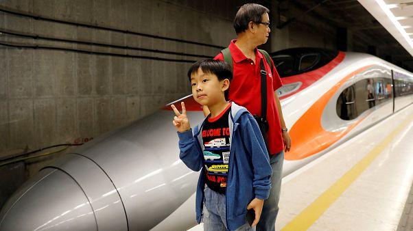 Hong Kong-Çin arasında entegrasyon için hızlı tren