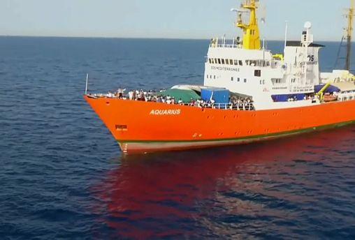 Aquarius, Panama revoca la bandiera