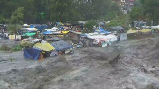 فيضانات تجتاح منطقة كولو شمالي الهند