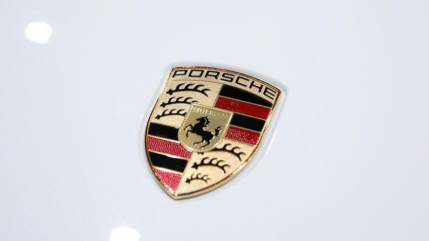 A porsche logo
