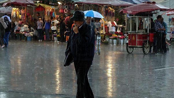 Yaşam Koşulları: En yüksek gelire sahip İstanbul aynı zamanda en fazla yoksulu olan bölgelerden