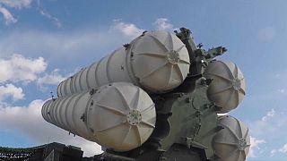 Πυραύλους S-300 στέλνει η Ρωσία στη Συρία