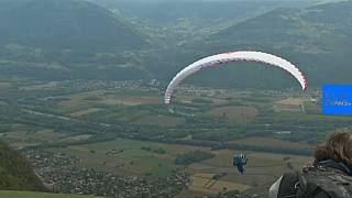 French festival celebrates fancy-dress paragliding