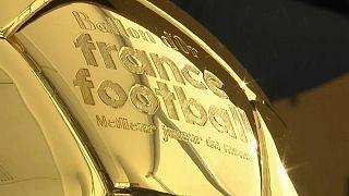 جایزه توپ طلا از امسال به بهترین بازیکن زن نیز اهدا می شود