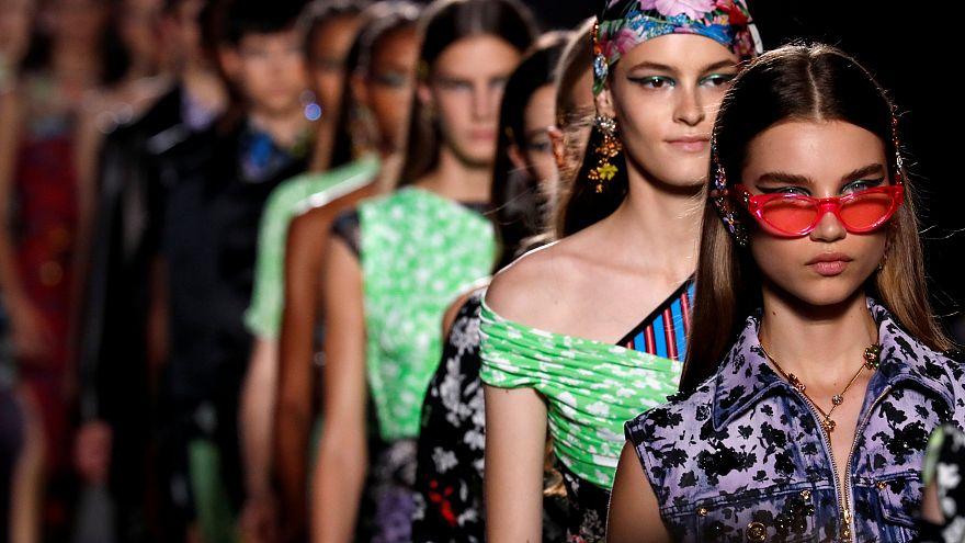 Milan Moda Haftası Bahar 2019 Versace kreasyonu