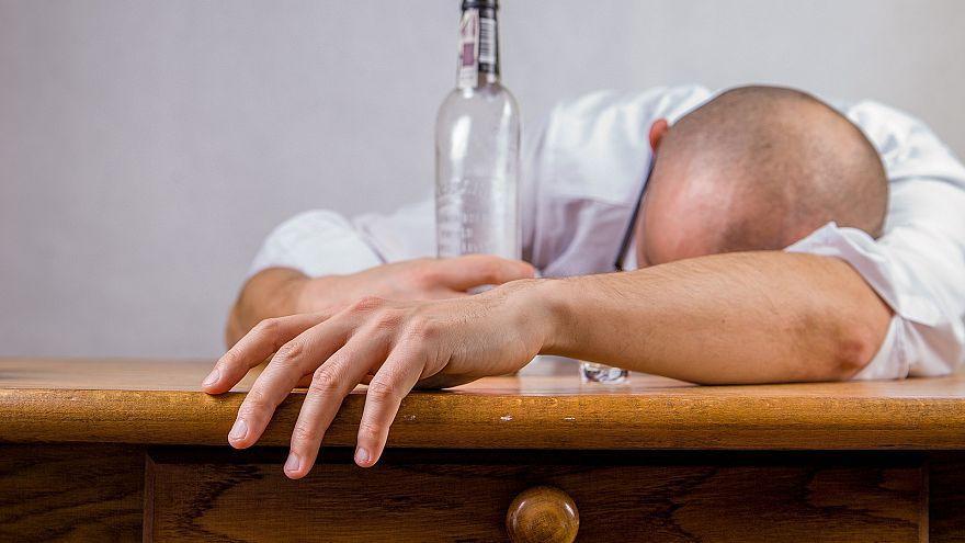 ВОЗ: каждая 20-я смерть в мире вызвана влиянием алкоголя