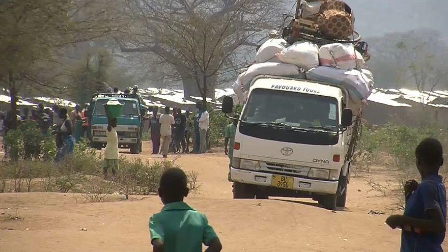 Refugiados moçambicanos regressam a casa