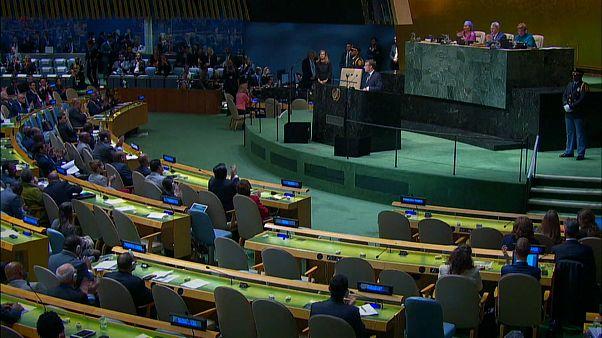 """ONU, Macron: """"Nessuna collaborazione con Paesi contrari all'accordo sul clima"""""""