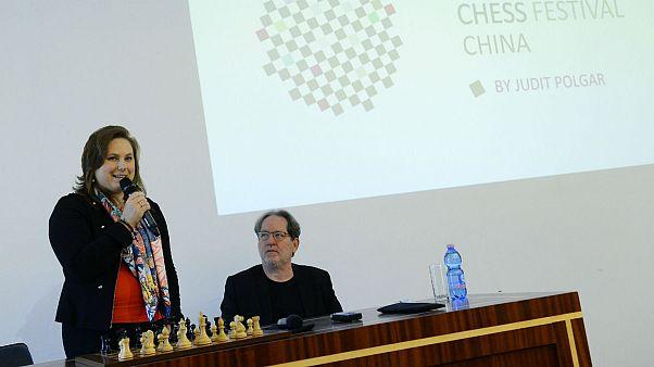 Magyar kezdeményezés szerez sakk-követőket a világban