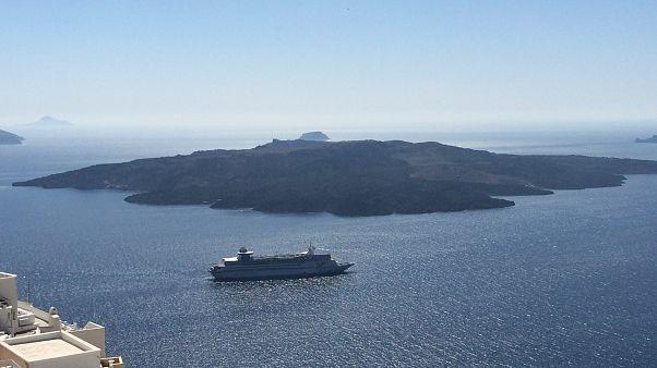 Yunanistan'dan adalardaki vergi kaçakçılığına drone'lu çözüm