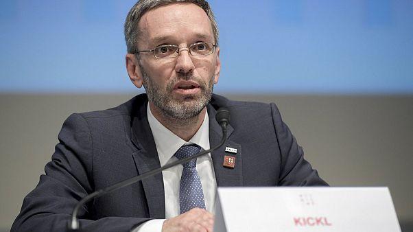 Austria: lista del governo contro media scomodi