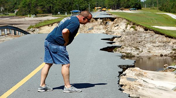 ارتفاع منسوب المياه في ساوث كارولاينا والسلطات تحث السكان على مغادرة منازلهم