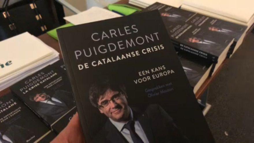 """Puigdemont presenta en Bruselas su libro sobre """"La Crisis Catalana"""""""