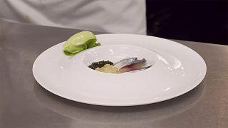 Η συνταγή του σεφ Τιερί Βουαζέν: Σκουμπρί με γουασάμπι