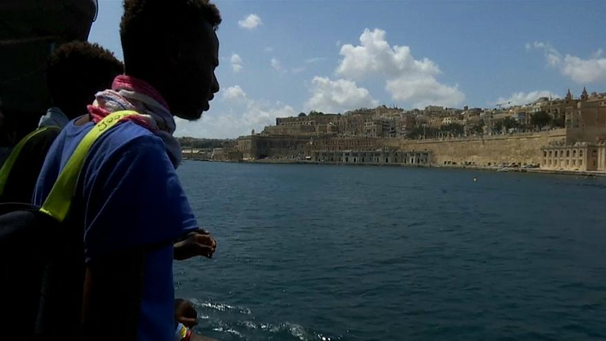 """Мальта согласилась принять """"Аквариус"""""""