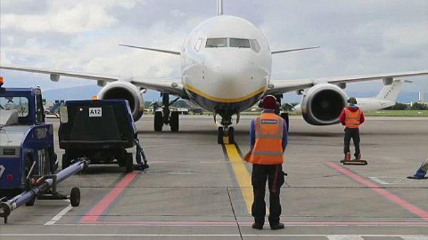 Megbüntették a Ryanairt és a Wizz Airt a magyar hatóságok