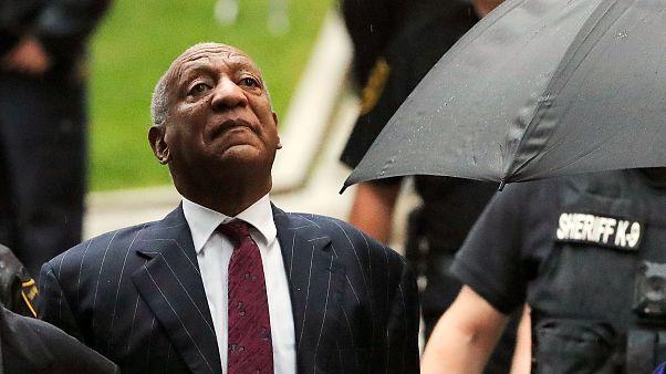 ABD'li ünlü komedyen Bill Cosby 3 ila 10 yıla kadar hapis cezası aldı