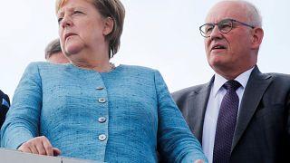Merkel verliert... Kauder (69) und muss heftige Kommentare einstecken