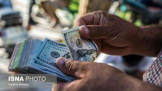 روز پرتلاطم ارز؛ دلار ۱۷ هزار تومانی بعد از سخنان روحانی به ۱۶ هزار تومان بازگشت