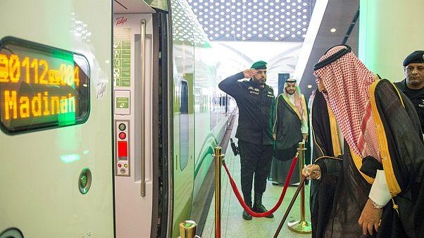 پادشاه عربستان خط آهن سریع السیر بین مکه و مدینه را افتتاح کرد