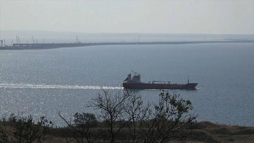 Азов: граница в море