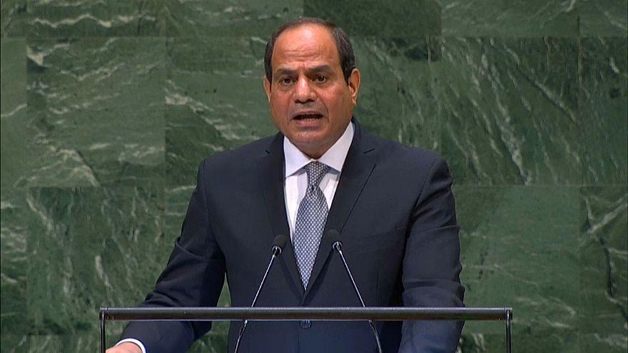 السيسي: الدول العربية أكثر عرضة للتفكك