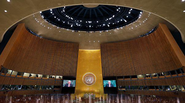 جنجالیترین سخنرانیهای سازمان ملل: از کف پای رجایی تا تمسخر ترامپ
