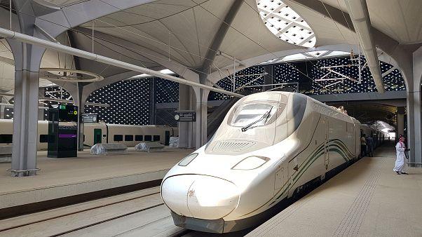 Hacılar için büyük kolaylık sağlayacak hızlı tren hattı açıldı