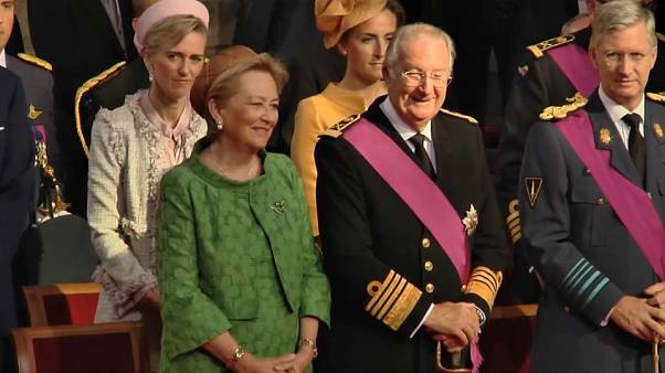 Rainha Paola da Bélgica repatriada devido a problema de saúde