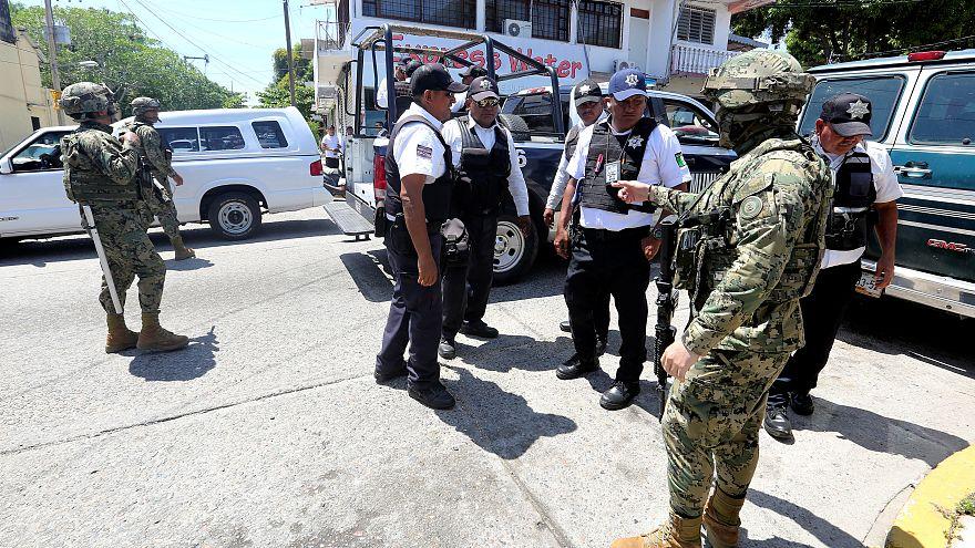 El Gobierno mexicano toma el control de Acapulco y desarma a la policía local