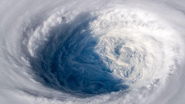 El monstruoso ojo del tifón Trami, desde el espacio