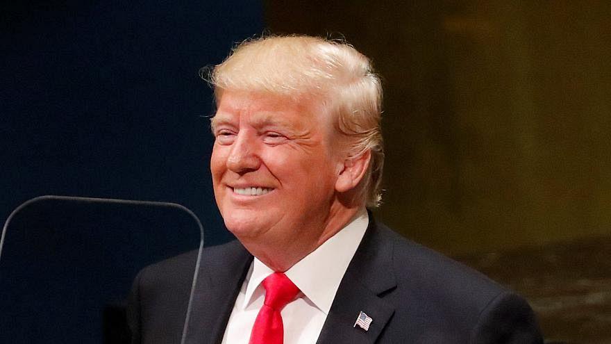 Video: Donald Trump wird für Eigenlob ausgelacht