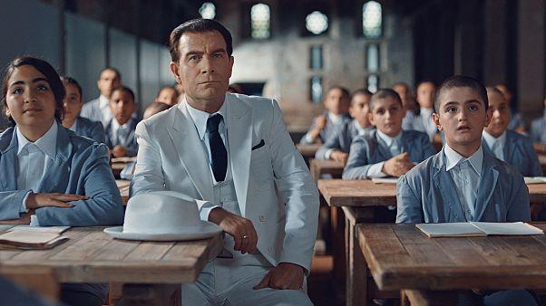 VİDEO    'Hasan Ali Yücel ve Köy Enstitüleri' filmi Yücel'in Çiçekleri'nin galası yapıldı