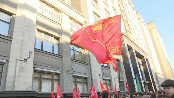 Russos protestam contra reforma das pensões de Vladimir Putin