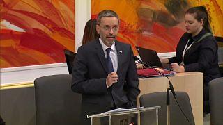 وزارة الداخلية النمساوية تحاول تقييد الصحافة وتثير زوبعة في البلاد