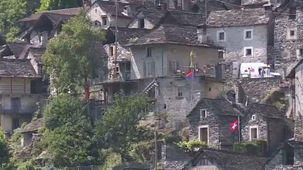 Hotel lesz az elnéptelenedett svájci falu