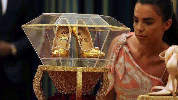 Les escarpins les plus chers au monde exposés avant leur mise en vente