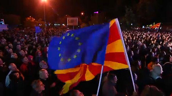 Macedónia új neve mellett tüntettek Szkopjéban