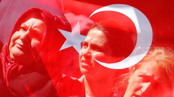 """Erdoğan-Merkel: """"Io aiuto te, tu aiuti me"""""""