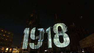 A light installation on Cologne Cathedral commemorates WWI