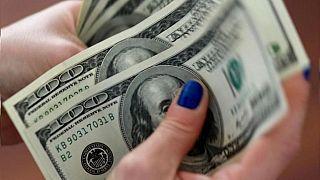 Dolar Türk Lirası karşısında 6'nın altına indi