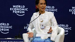 كندا تجرد زعيمة ميانمار أونج سو كي من الجنسية الشرفية بسبب الروهينغا