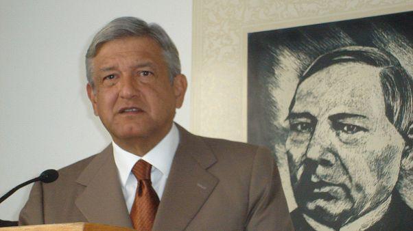 Meksika'da devlet başkanlığı görev süresinin kısaltılması için referandum tasarısı