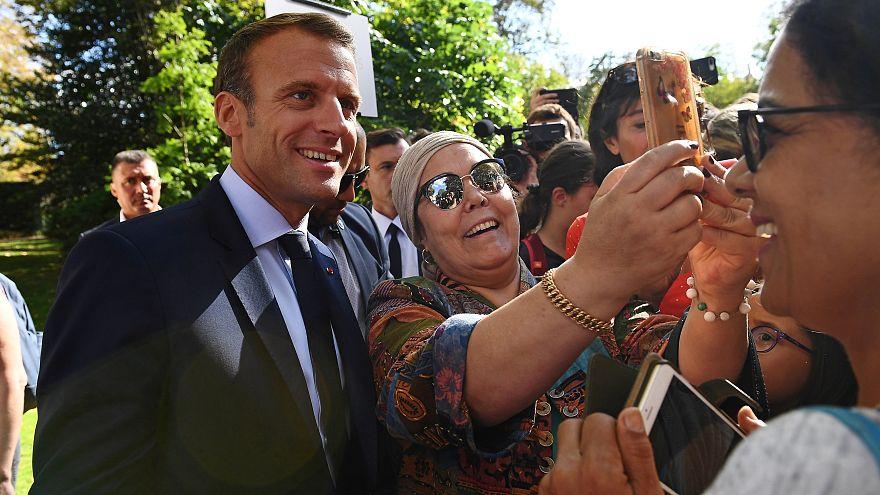 """Két hétbe se telt, és munkát talált Macron """"védence"""""""