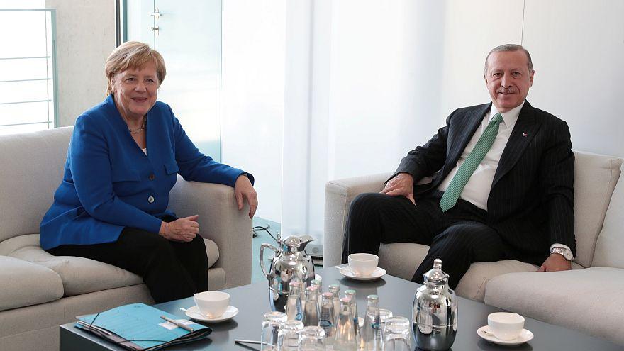 المستشارة الألمانية أنغيلا ميركل والرئيس التركي رجب طيب إردوغان
